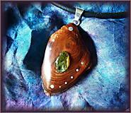 Náhrdelníky - 443. Drevený náhrdelník - Tatranská Borovice - OLIVÍN - 5531321_