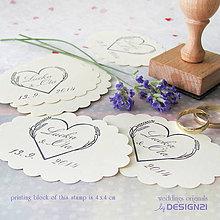 Darčeky pre svadobčanov - Levanduľové srdiečko, pečiatka 4x4 cm - 5538672_