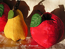 Dekorácie - Červené jablčko vo vrecku... :-) - 5556572_