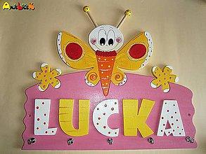 Nábytok - Vešiak - na stenu motýľ - 5559241_