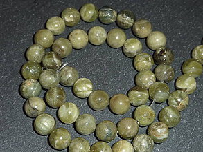 Minerály - Kremeň zelený (Ouro Verde) 8mm - 5563220_