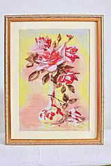 Ručně vyšívaný obraz váza s ružami
