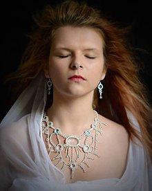 Náušnice - lady with necklace - náušnice - 5588278_