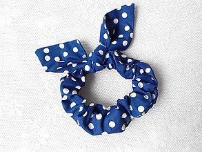 Ozdoby do vlasov - Blue scrunchie with white polka dots - 5596055_