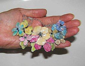 Náhrdelníky - jemný nenápadník pastelový 2 -kvetinový náhrdelník - 5595905_