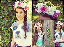 Čelenka s fialkovými ružami:)