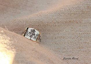 Prstene - strieborný nastaviteľný prsteň - sláviček spívá - 5621848_