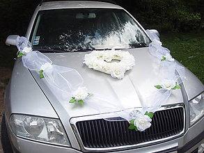 Dekorácie - Výzdoba na auto s veľkými ružami - 5626157_