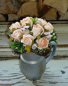 Dekorácie - Broskyňové ruže s motýlikmi,... - 5634867_