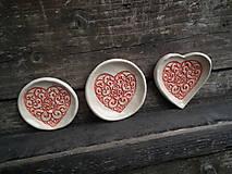 Nádoby - Svadobné darčeky mini tanieriky Srdiečko ornament - 5641664_