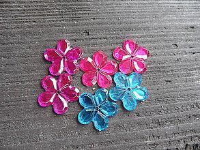 Korálky - Plastová kvetinka,20 mm - 5642300_