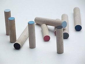 Nábytok - Vešiaky kolíky, rôzne farby - 5643946_
