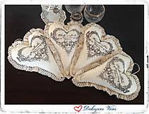 Darčeky pre svadobčanov - Srdiečko - vankúšik - 5646616_