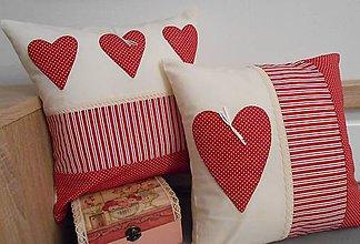 Úžitkový textil - vankúš so srdiečkami 50 x 50 cm - 5649594_