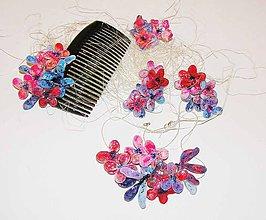 Sady šperkov - masked flowers 2 -Náušnice , náhrdelník, hrebienok - 5657442_