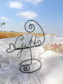 Darčeky pre svadobčanov - ...s iniciálkami ...stojan na menovku - 5654154_