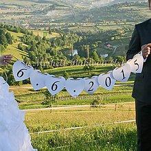 Tabuľky - Svadobná girlanda s dátumom svadby alebo vašimi menami - 5657211_