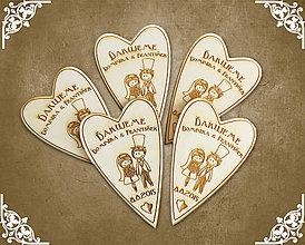 Darčeky pre svadobčanov - Darček pre svadobčanov grav. drevené srdce veľké - 5659775_