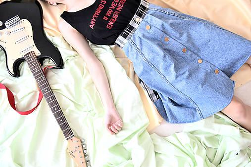Denim grunge z deväťdesiatych - zľava