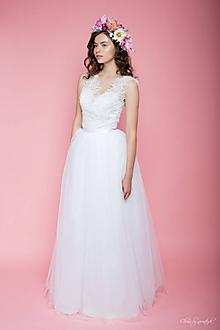 Šaty - Svadobné šaty vyšívané korálkami s tylovou princeznovskou sukňou  - 5672778_