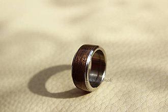 Prstene - Svadobná obrúčka Drevo   Oceľ - American Walnut - 5685330  218a237f731