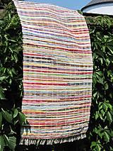 Úžitkový textil - koberec tkaný ,, multifarebný so žltou,,70x 140cm - 5691420_