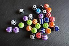 Korálky - Farebné plastové korály / 10ks - 5703517_