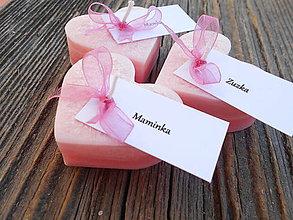 Darčeky pre svadobčanov - Ružové srdiečka s kartičkou - 5704583_
