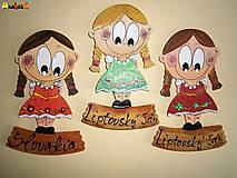 Magnetka - dievčatko v kroji a nápis