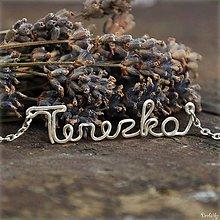 Náhrdelníky - Náhrdelník s menom z postriebreného drôtu: 6-8 písmen (Terezka) - 5712071_
