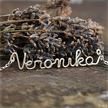 Náhrdelníky - Náhrdelník s menom z postriebreného drôtu: 6-8 písmen (Veronika) - 5712092_