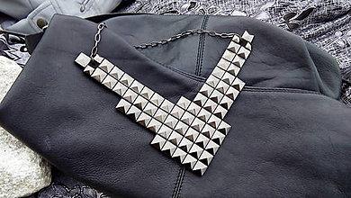 Náhrdelníky - Náhrdelník ROCK pyramid ANTRACIT big - 5716933_