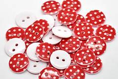 - Plastový gombíček 15mm červený bodkovaný - 5718952_