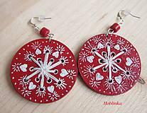 Drevený šperk - Náušničky červené vyšívané do dreva