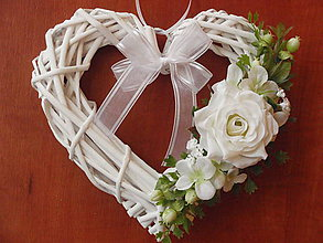 Dekorácie - Srdiečko s jemne smotanovou ružou - 5731088_