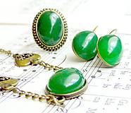 Green Jade & Bronze