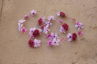 Ozdoby do vlasov - Pramene kvetov zapletené do vlasov... - 5744500_