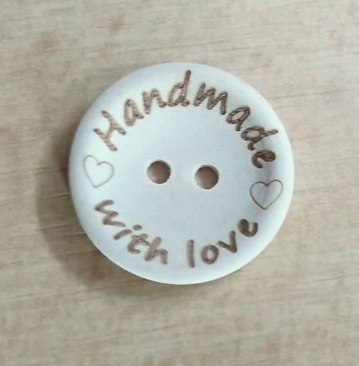 Gombík Handmade with love