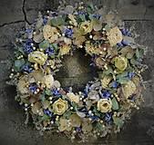 - Biele ruže s voňavým eukalyptom a hortenzií - 5765647_