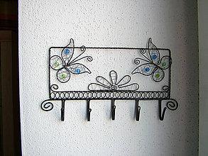 Nábytok - vešiak s motýlikmi - 5764221_