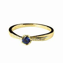 Prstene - Zafírový prsteň s briliantmi - 5768463_