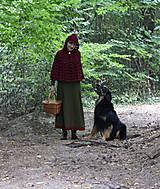 Iné oblečenie - Vlnené pončo, alebo ako Karkulka vo vlniaku vlka stretla - 5771489_