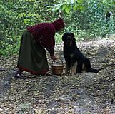 Iné oblečenie - Vlnené pončo, alebo ako Karkulka vo vlniaku vlka stretla - 5771496_