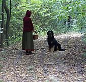 Iné oblečenie - Vlnené pončo, alebo ako Karkulka vo vlniaku vlka stretla - 5771497_