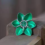 Zelená květina - přívěsek
