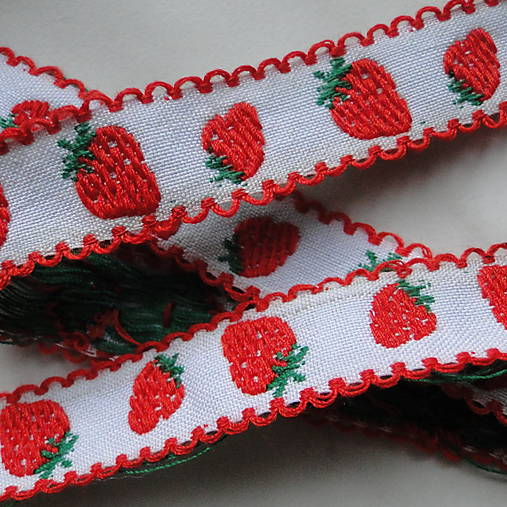Vzorovka 15mm-jahody-1m