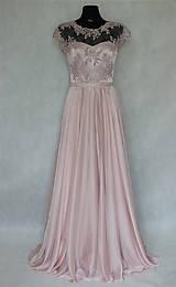 Šaty - Spoločenské šaty s kruhovou sukňou v púdrovej ružovej farbe - 5779001_