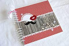 - Kniha hostí - mustache and lips - 5778020_