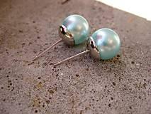 Perly - napichovačky 10mm (Perly svetlomodré - napichovačky 1cm č.1452)