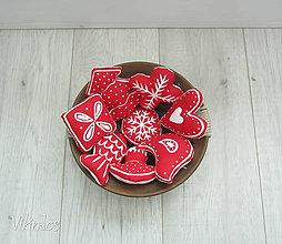 Dekorácie - Medovníčky s jahodovo-cukrovou polevou - 5782381_